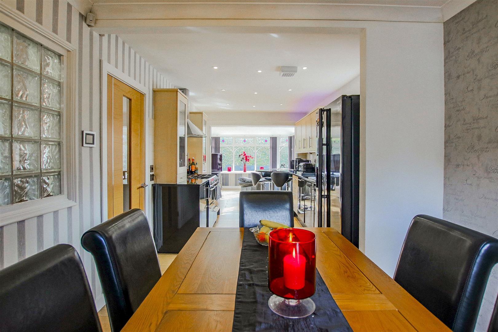 4 Bedroom Detached House For Sale - redwing31756.JPG